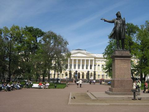 Памятник А. С. Пушкину в Михайловском сквере