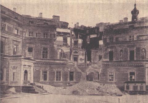 Инженерный замок, разрушенный прямым попаданием