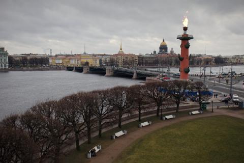 Ростральная колонна и Дворцовый мост